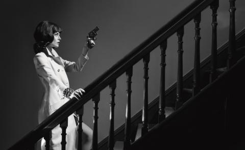 Genlux - noir - gun stairway