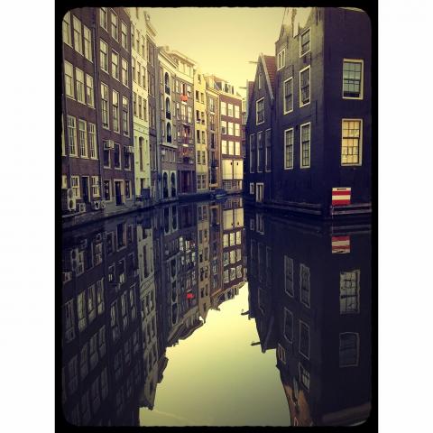 Smithsonian Magazine - Amsterdam - Canal